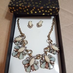 New earring and necklace set,in a gift box.